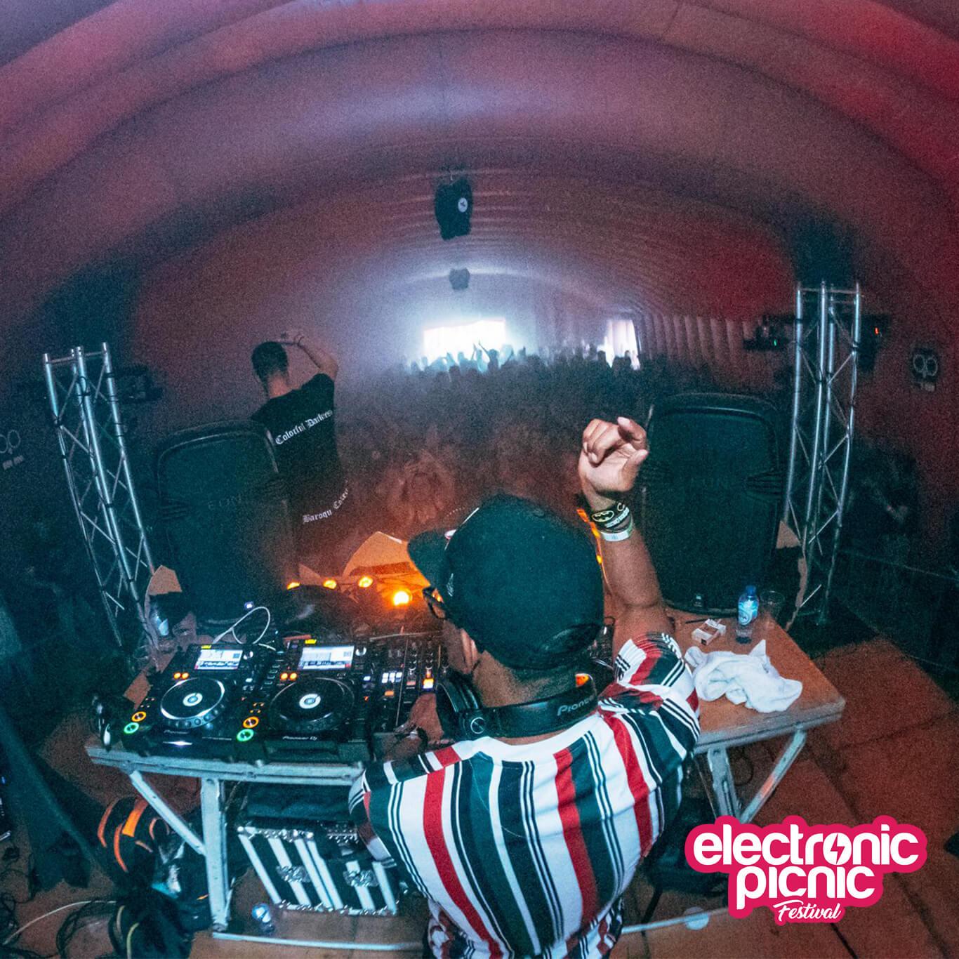tehcno feest(DJ)